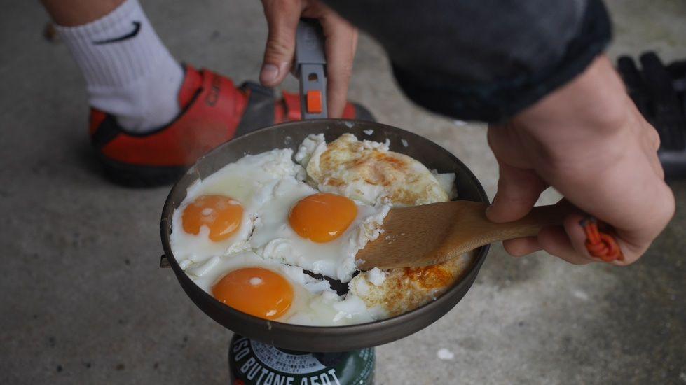 Egg breakfast on tour