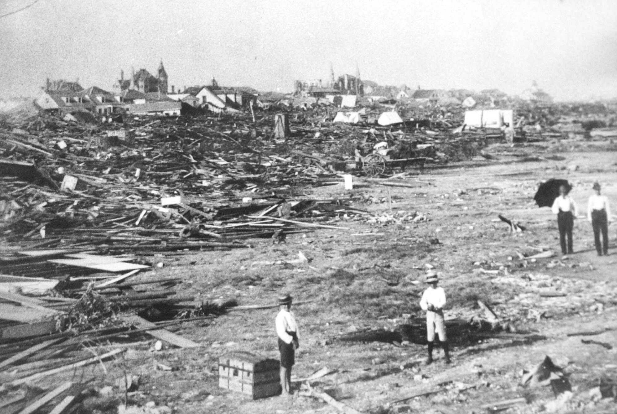 Looking Back At The 1900 Hurricane That Wiped Out Galveston And Made It Stronger In The Long Run Galveston Hurricane Galveston Hurricane History