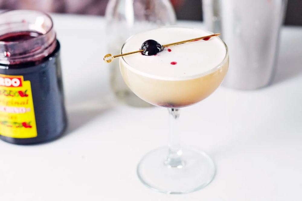 Photo of How To Make a Classic Whiskey Sour