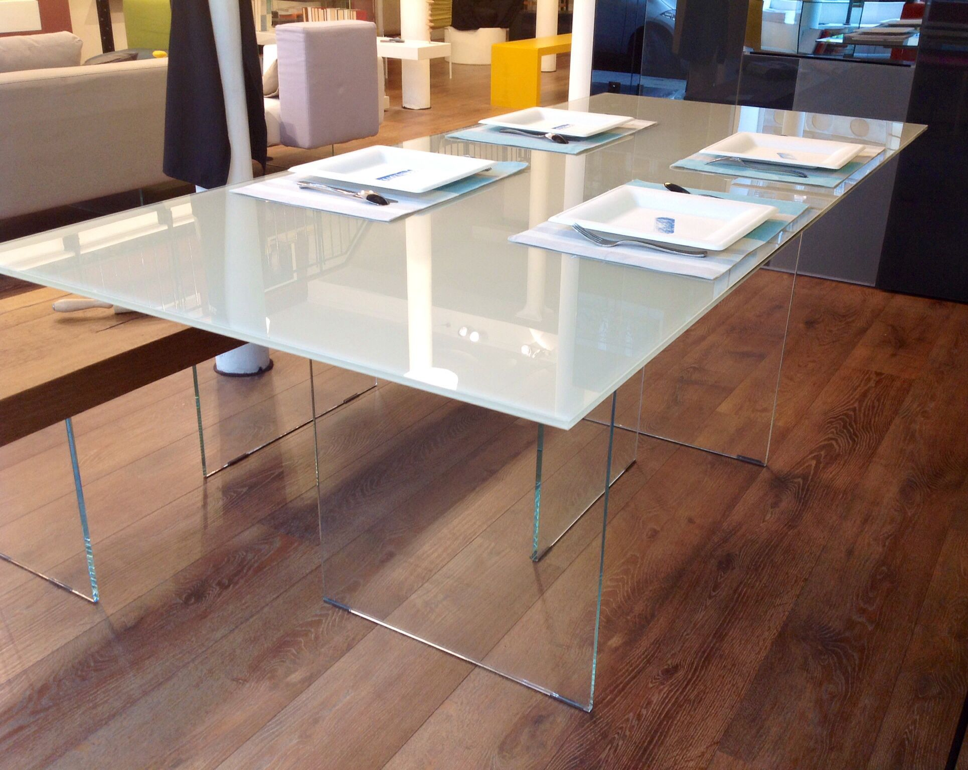 Lago Tavolo ~ Air table by lago design by daniele lago interior design