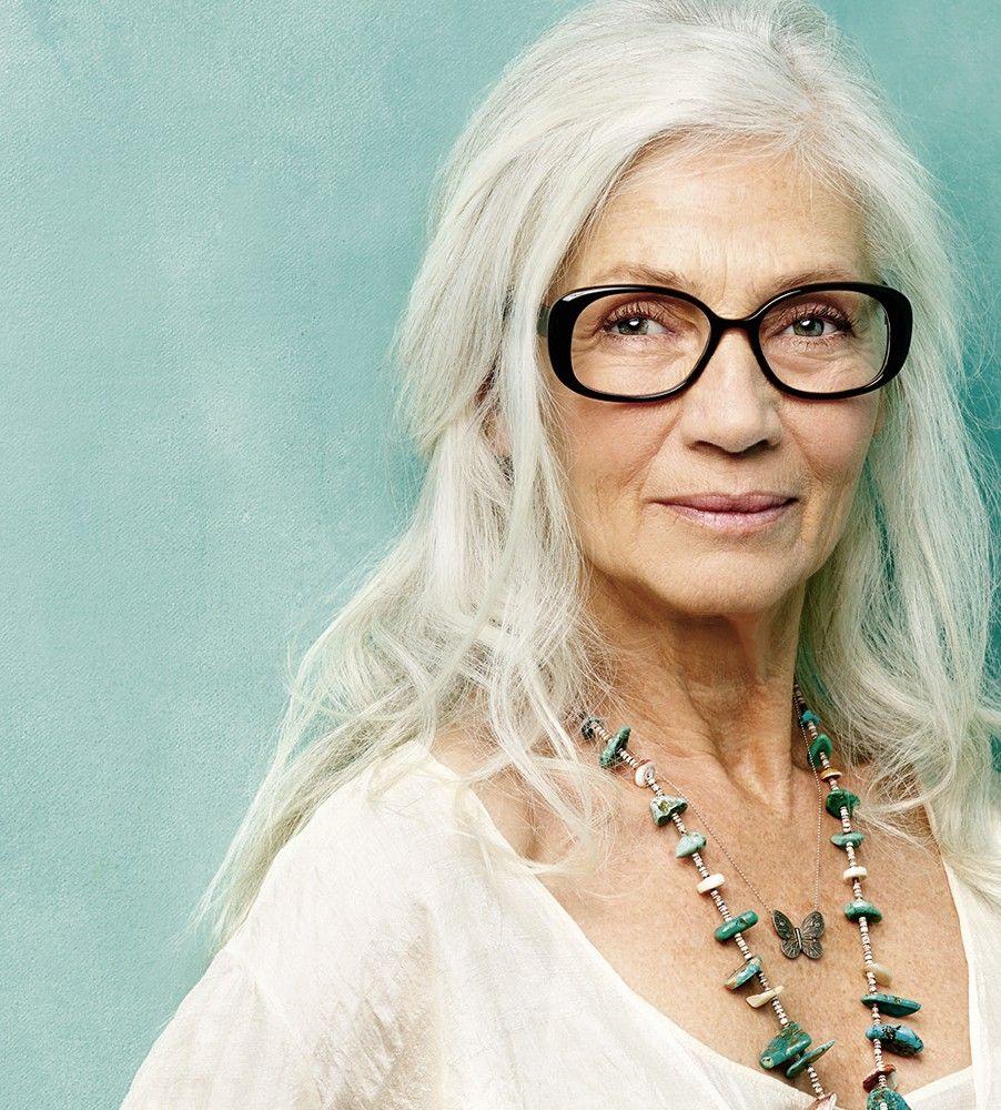 celebrating women with long grey hair 40 plus style silver agence de top mod 232 les de plus de 40 ans paris