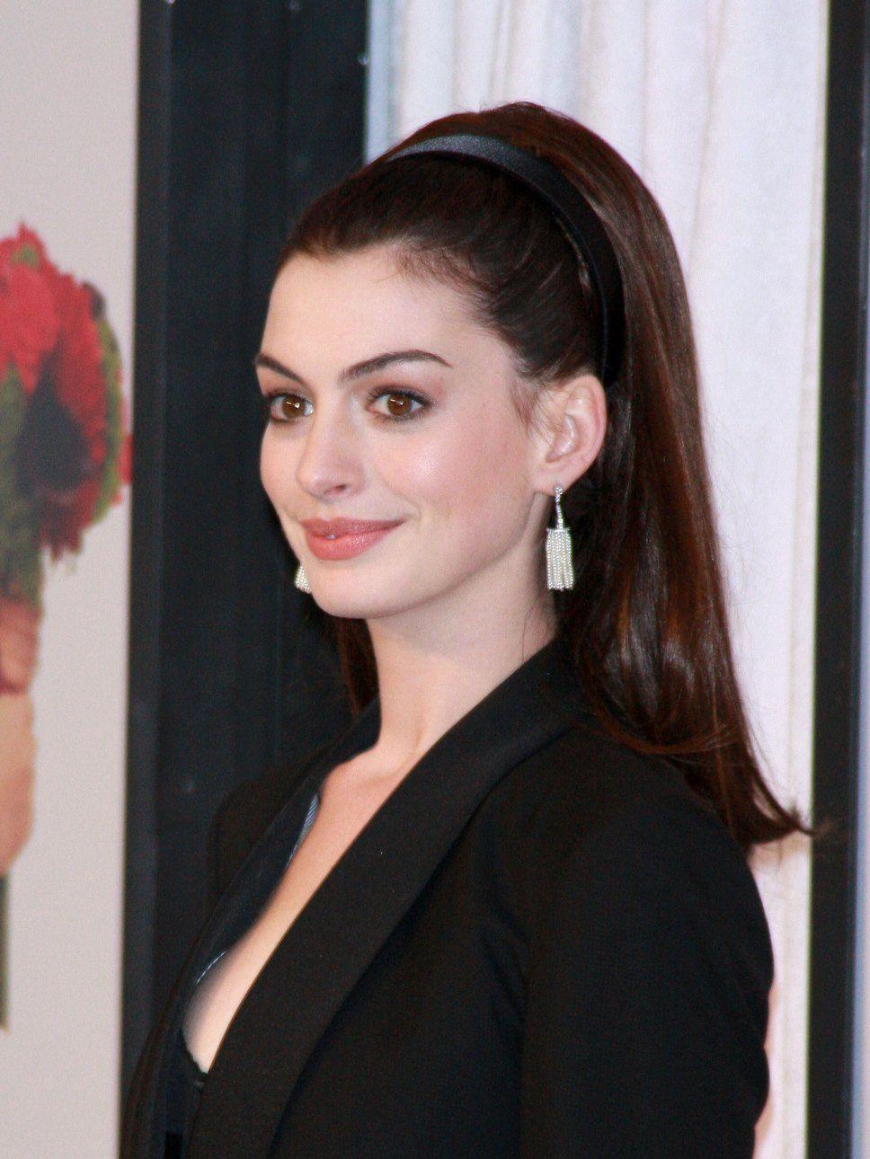 ponytail hairstyles | Anne Hathaway ponytail | Hair Ideas ...