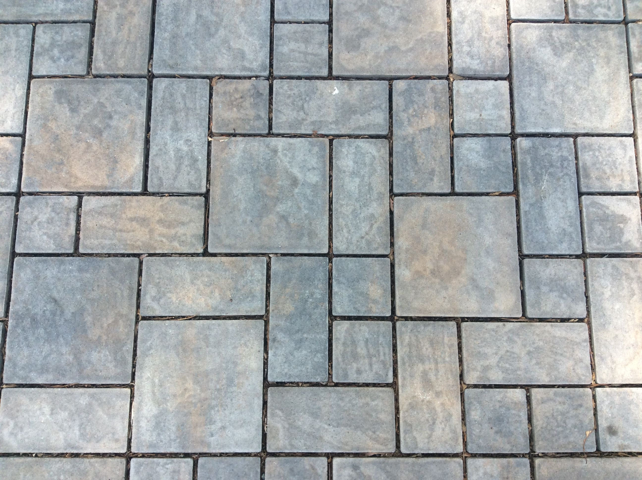 Our Most Popular Color Choice Toffee Onyx Lite Kimble Sons Used The Cambridge 3pc Ledgestones To Create An Pavers Backyard Cambridge Pavers Colorful Patio