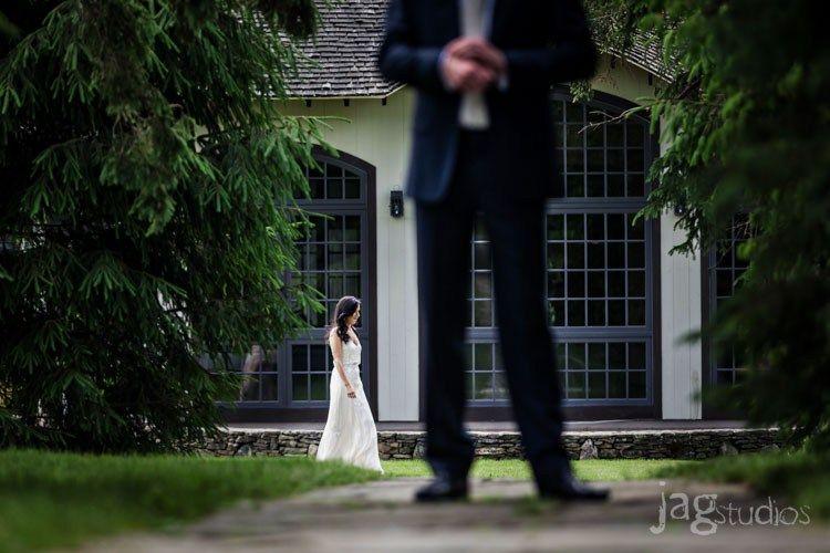 jagstudios-rayna-fraser-winvian-barn-morris-ct-destination-wedding-photography-005