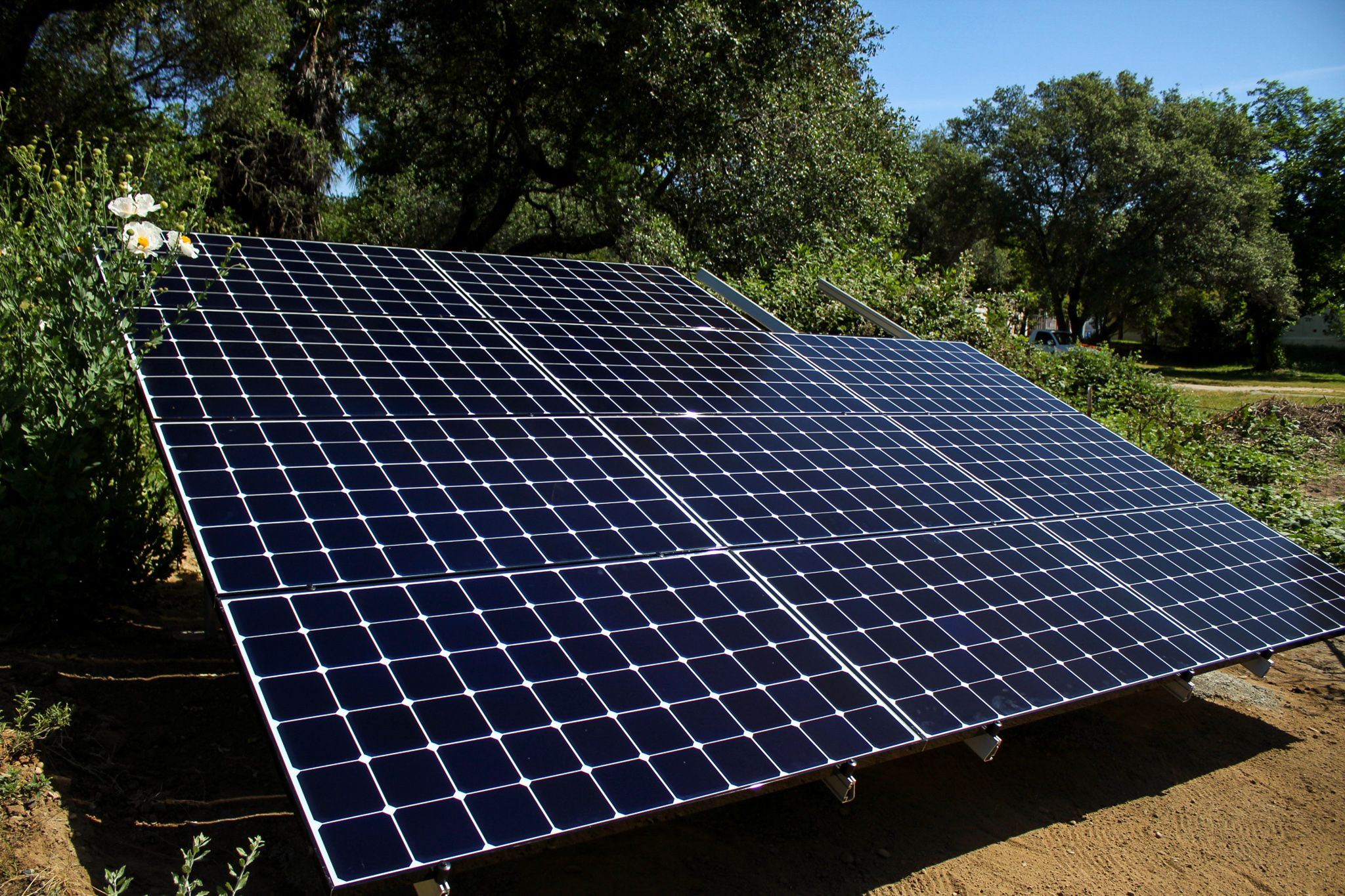 Solar Ground Mount In 2020 Solar Solar Panels Heat Installation