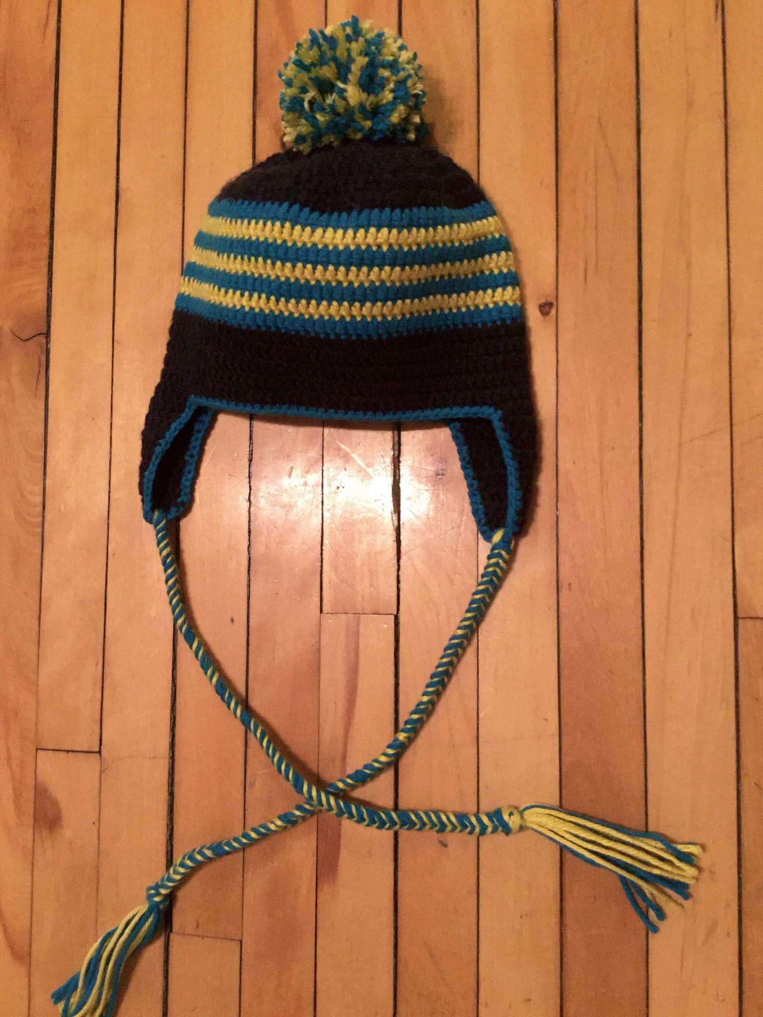 Tuque au crochet pour garçon avec pompon - bleu et jaune | Crochet ...