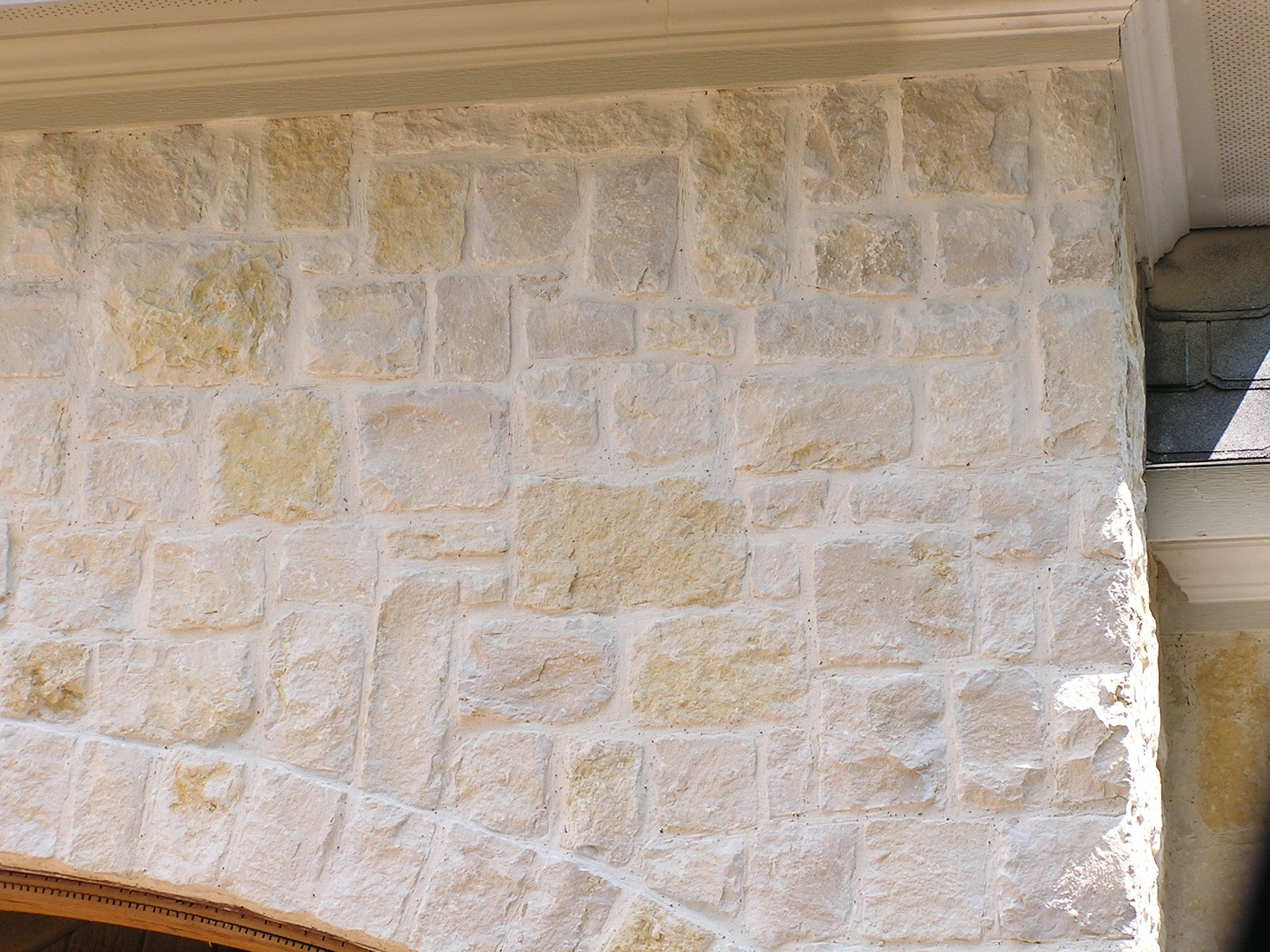 Granbury champagne natural limestone full size or thin for Brick and stone veneer