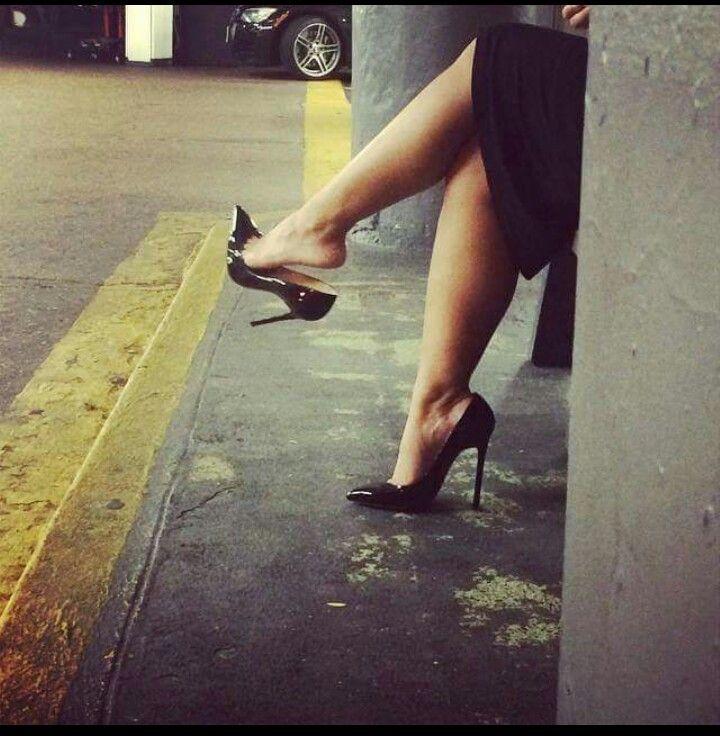 High heel dangle on the london underground train 9