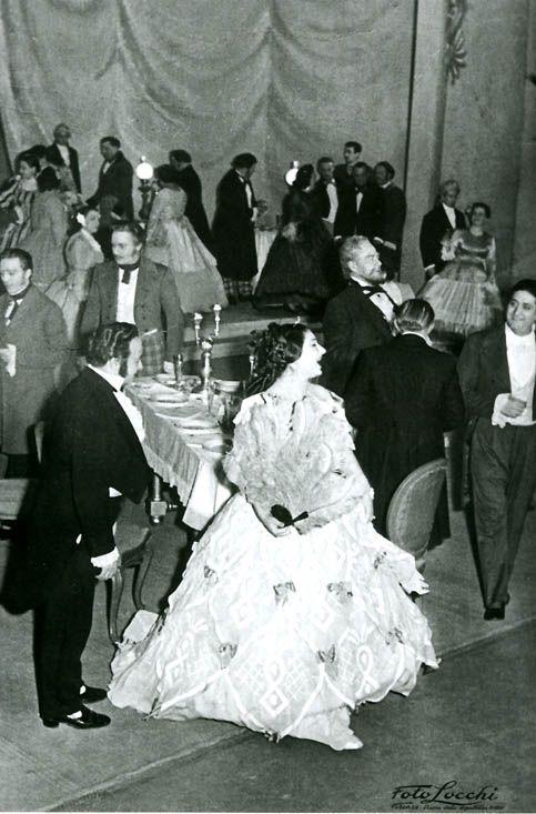 Debutto italiano nella Traviata La Callas in un'inedita foto ...