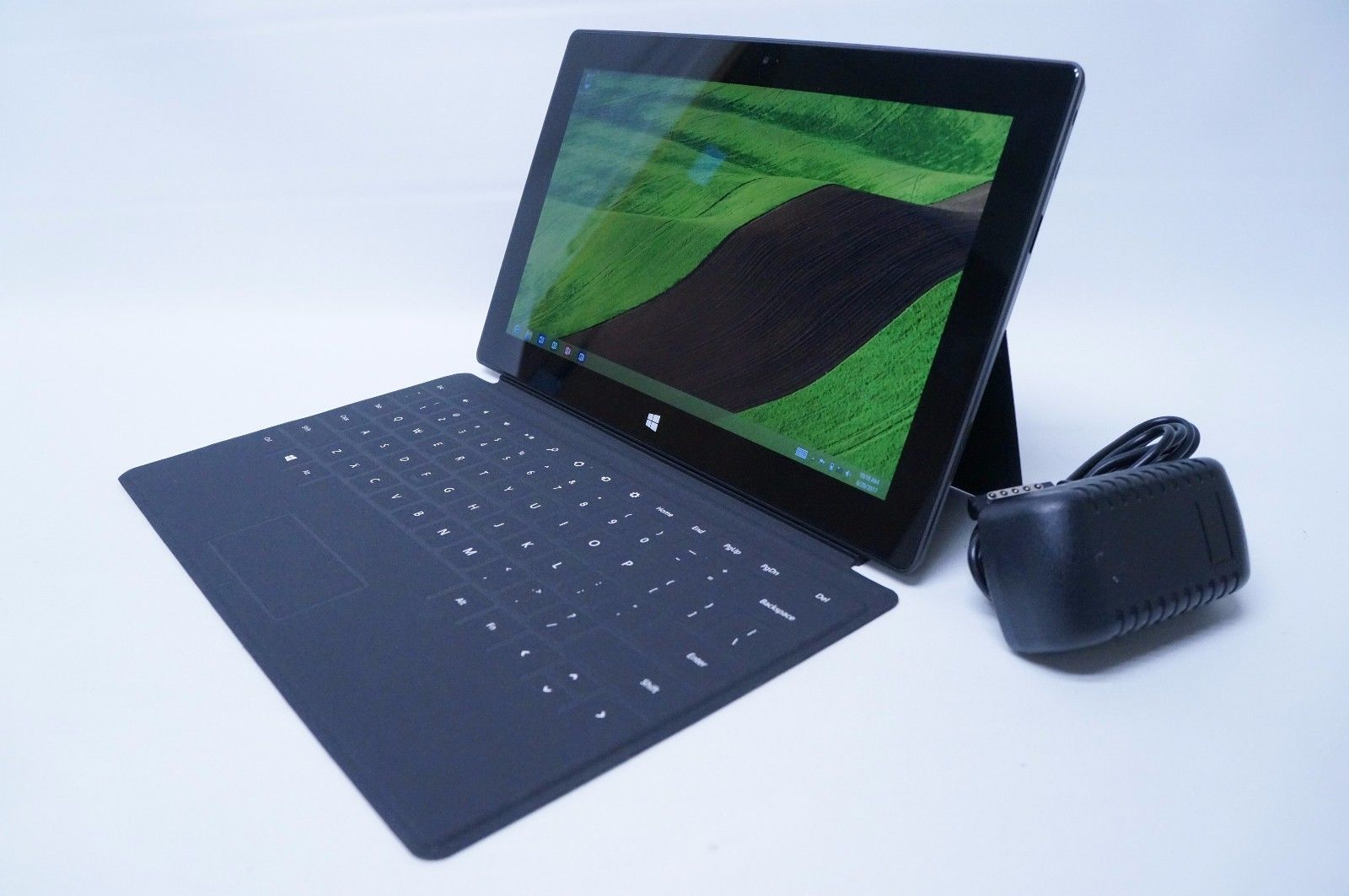 Microsoft Surface RT 64GB Wi-Fi 10 6in w/ Keyboard Dark
