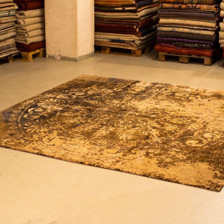 A 2.50 by 2.54 piece from our #designer collection!Made with #premium #organic fibers! €5700  #handmade #design #homedecor #Iran #japan #Tokyo #berlin #Italy #Amsterdam #ツイッターで楽しむ展覧会 #bayline #打首生配信 #知ってた #イマソラ #やっぱりファミチキ