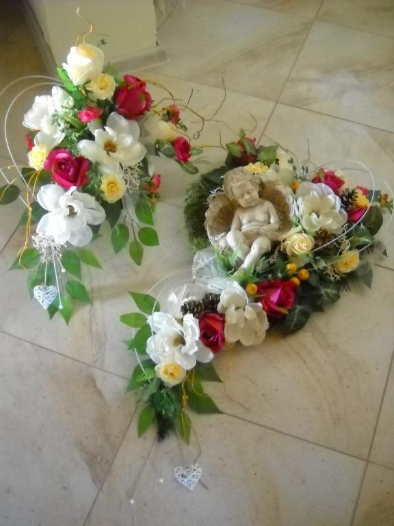 Stroik Bukiet Kompozycja Na Grob Aniolek Serce 5673589587 Oficjalne Archiwum Allegro Floral Floral Wreath Wreaths