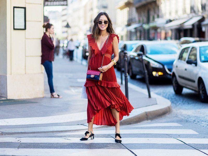Rote Sommerkleider Sind Aktueller Trend
