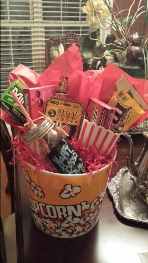 Bosses Day Gift - Movie Theme #bossesdaygiftideasoffices