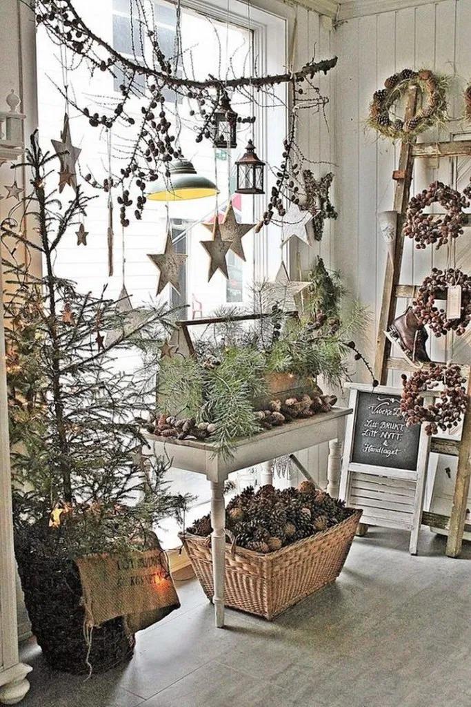 45 Beautiful Christmas Decoration Ideas #christmasdecor #christmasdecorideas #christmasdecoration   megasiana.com #rustikaleweihnachtentischdeko