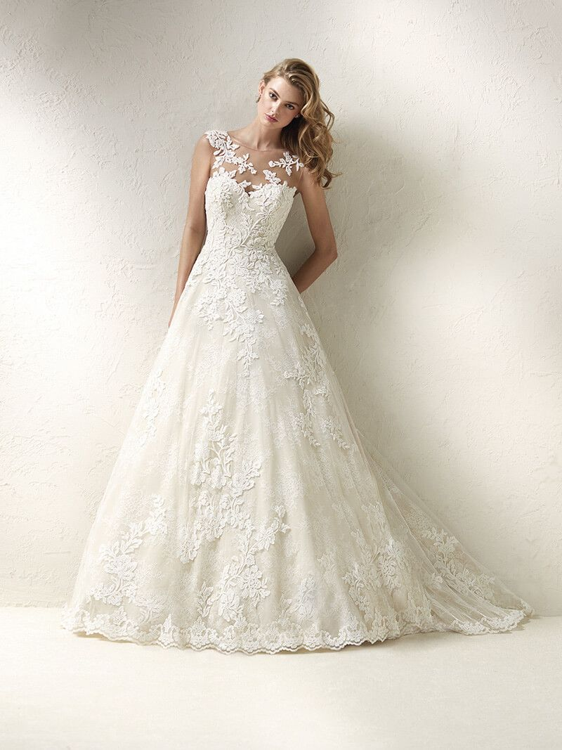 Vestidos de novia con encaje corte princesa