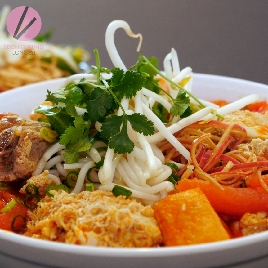 The BEST Bun Rieu, Vietnamese Crab Noodle Soup