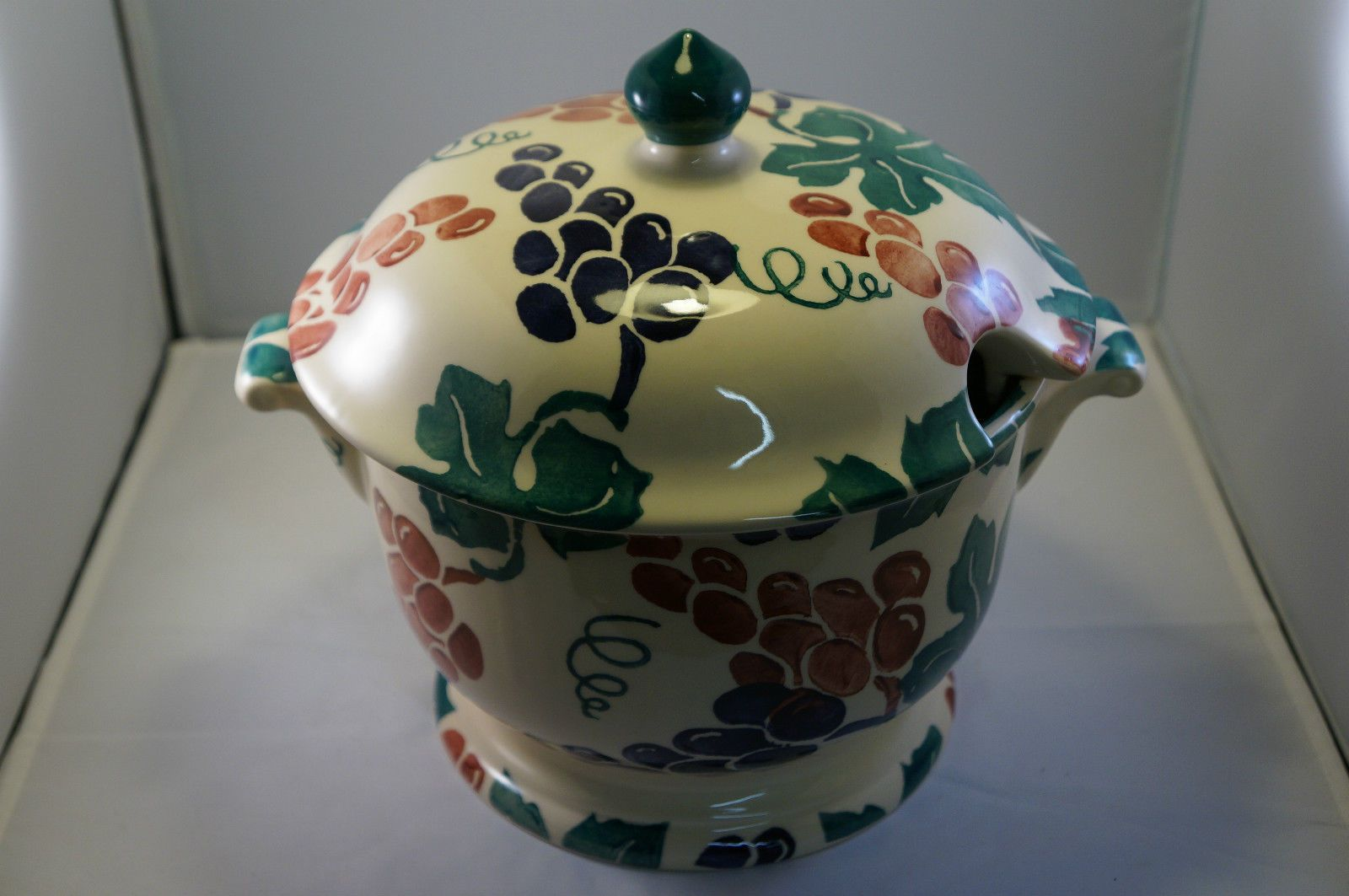 Emma Bridgewater Vine Pattern Soup Tureen To Be Sold