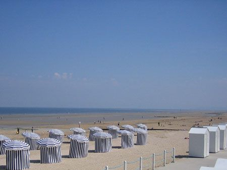 Plage cabourg normandie france l a normandie normandie plage et cabourg - Office du tourisme de deauville trouville ...