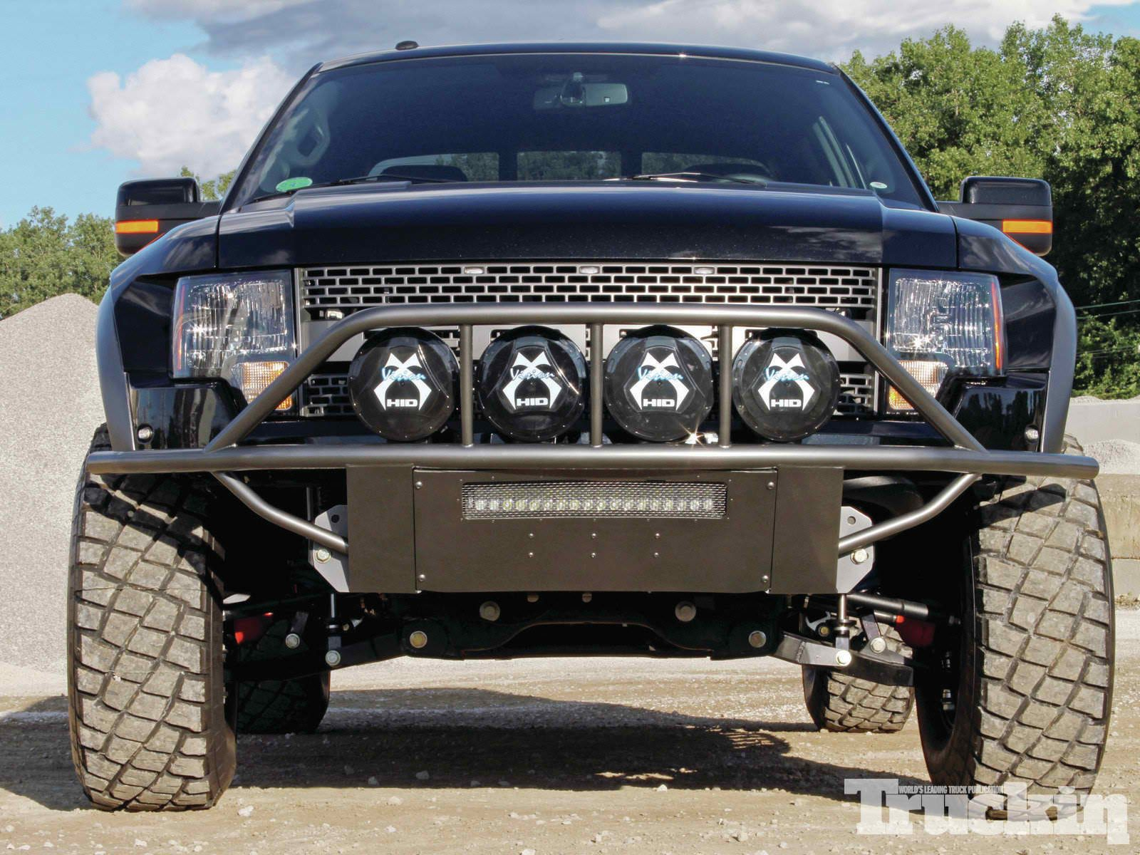 2017 ford f 150 raptor high strength military grade aluminum alloy makes the all new raptor approximately 500 pounds lighter than before combi