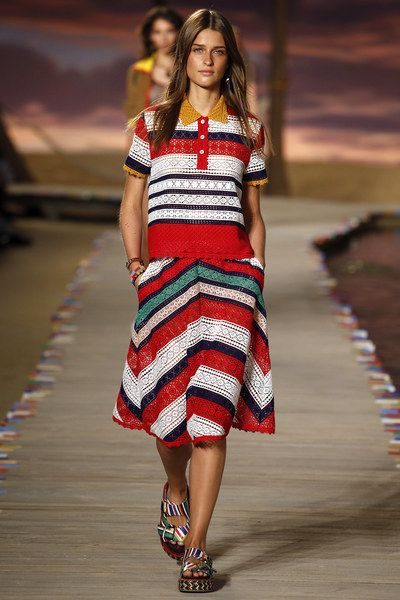 3454c684a7592 Tommy Hilfiger Spring 2016 Ready-to-Wear Collection Photos - Vogue