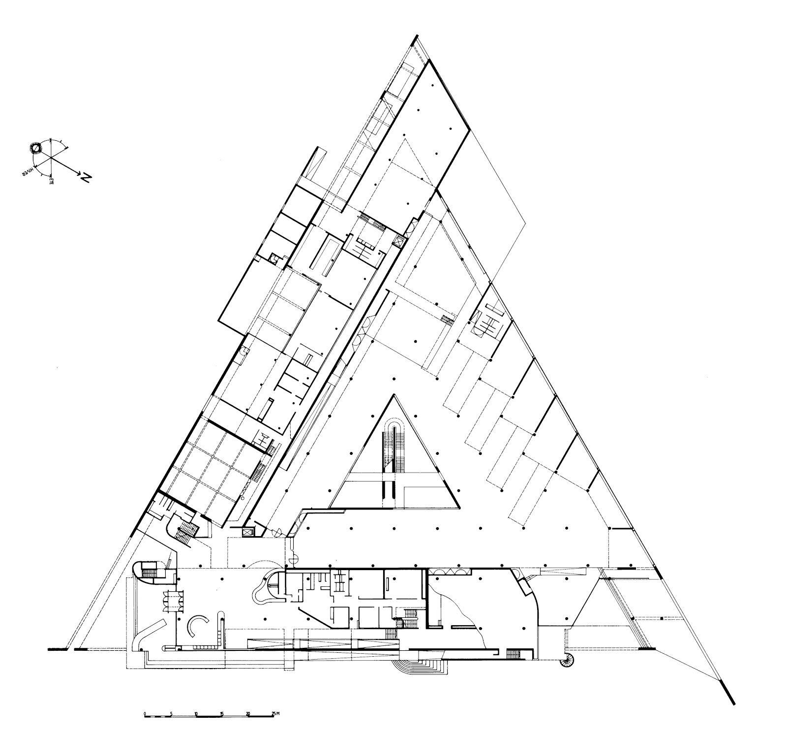 The archaeological museum of arles henri ciriani for Triangular house floor plans