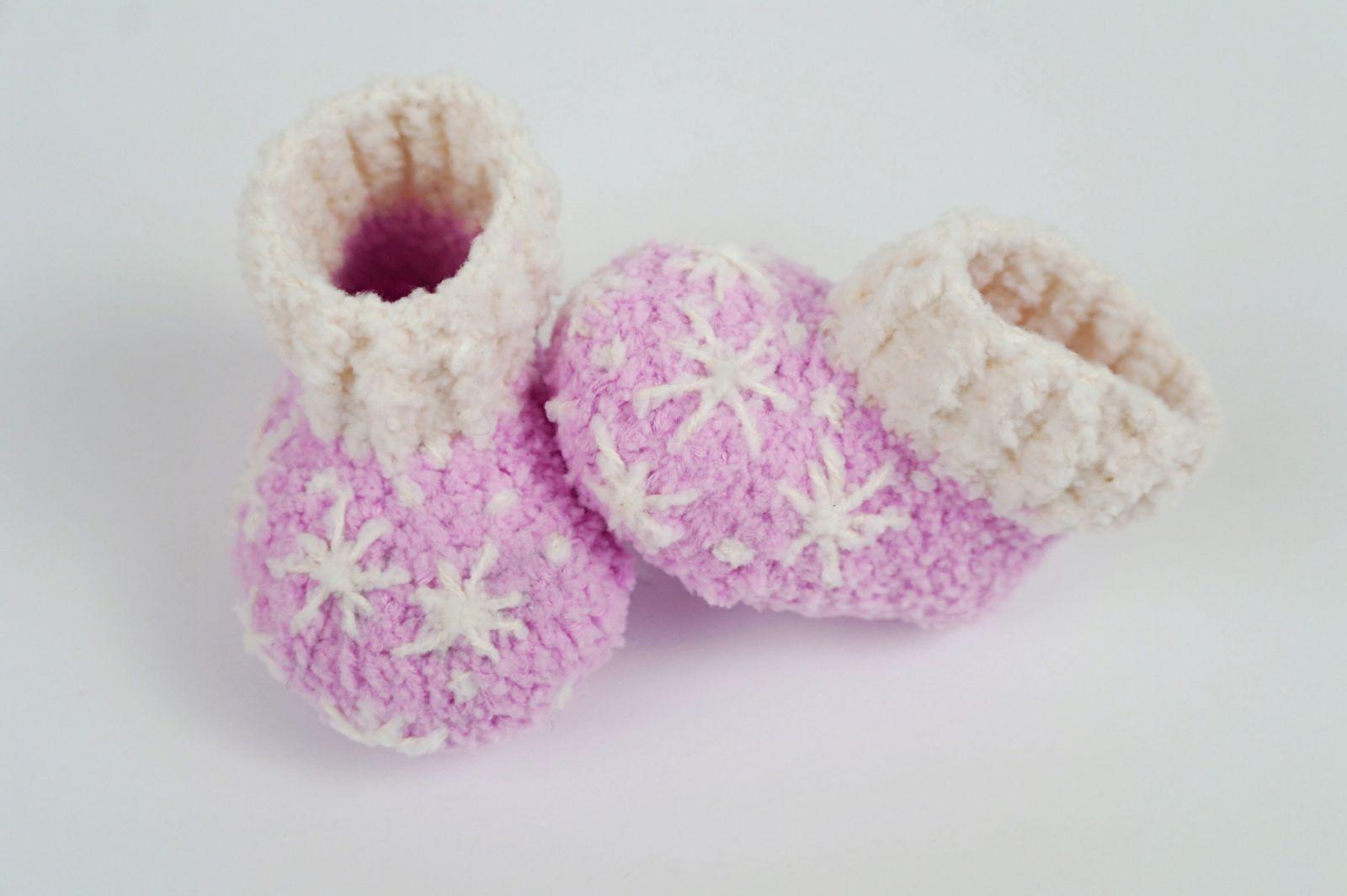 Kostenlose Häkelanleitung für Warme und kuschelige Babyschuhe mit ...