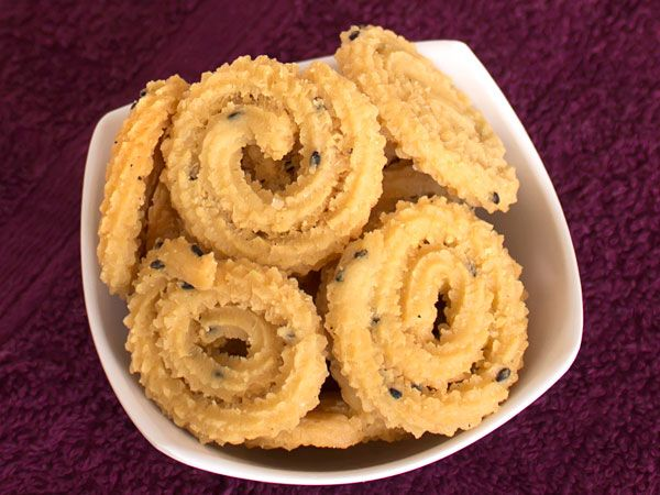 This traditional gujarati and marathi style chakri recipe uses maida this traditional gujarati and marathi style chakri recipe uses maida and requires dry steaming the flour this unique process provides the melt in mouth forumfinder Image collections