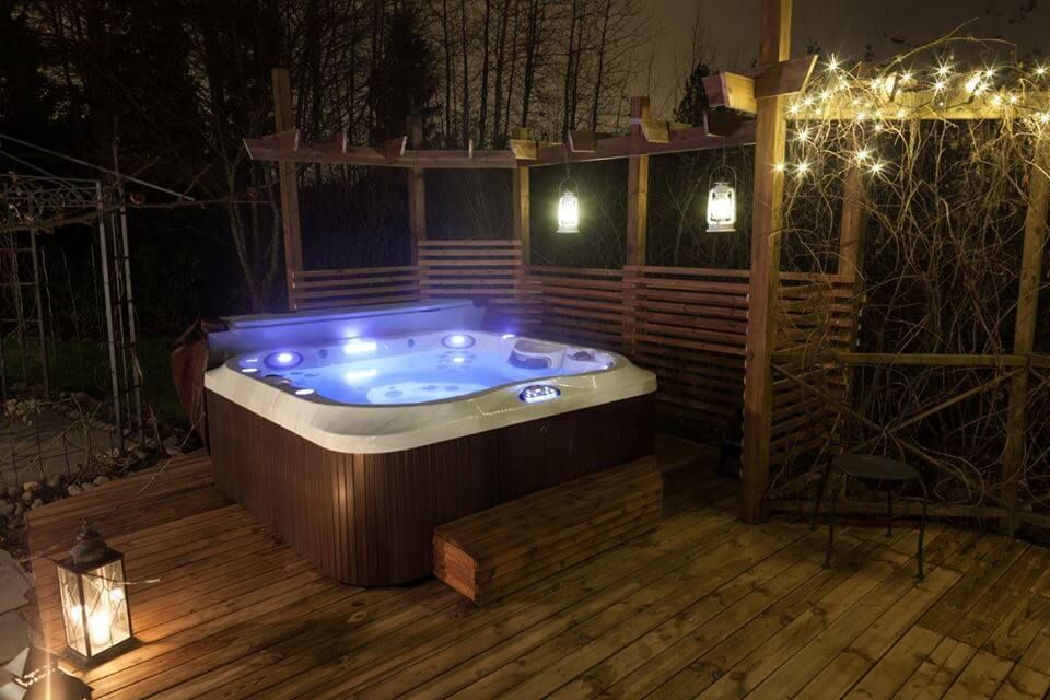 Jacuzzi J 335 Hot Tub Price Specifications And Features Finlande Hot Tub Whirlpool Bathtub Jacuzzi