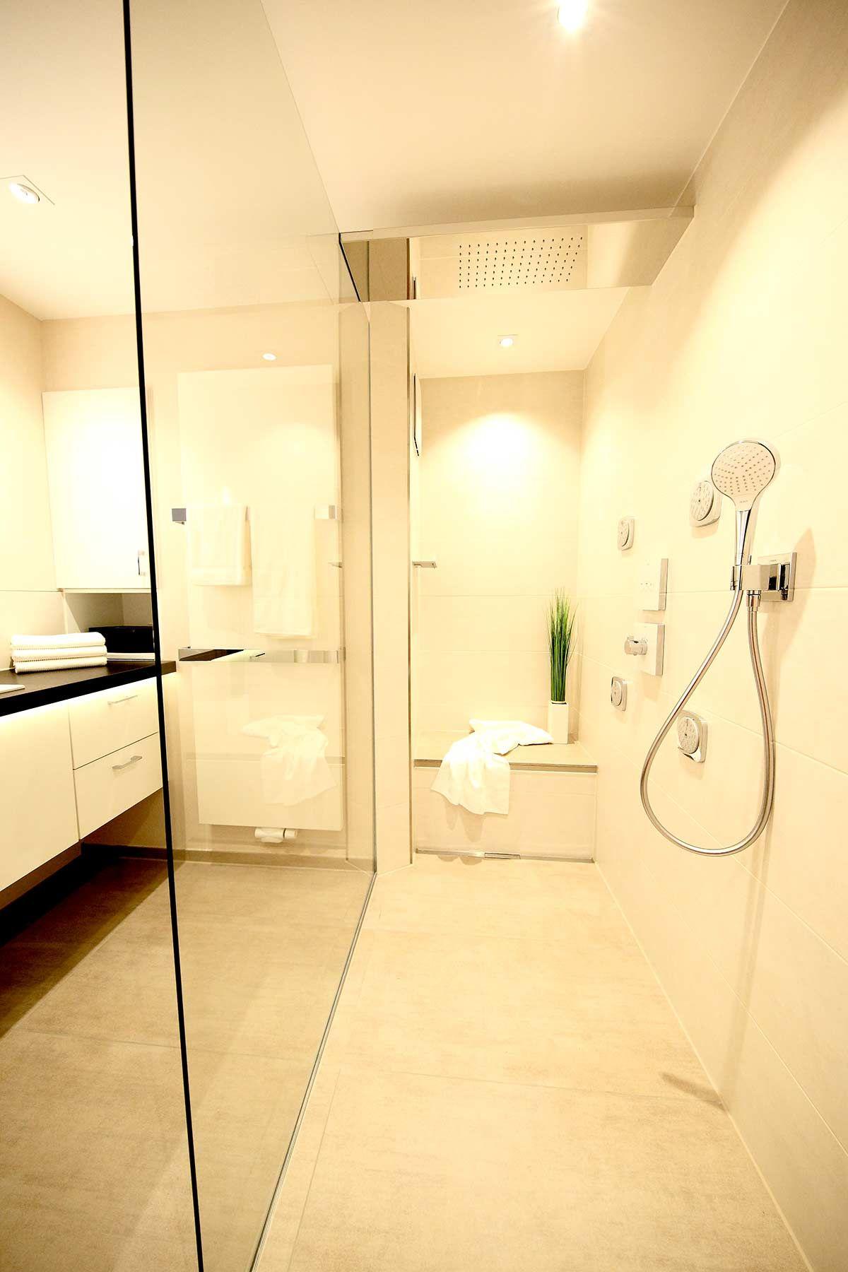 Cool Dusche Mit Sitzbank Foto Von Walk-in-dusche Sitzbank, Glastrennwand, Regentraverse, Seiten- Und E