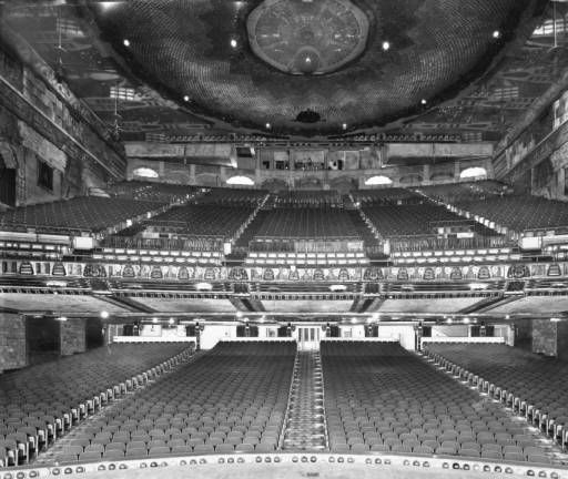 Inside Seating Of The Paramount Theatre In Downtown Los Angeles On Sixth Street Paramount Theater Los Angeles Vintage Movie Theater