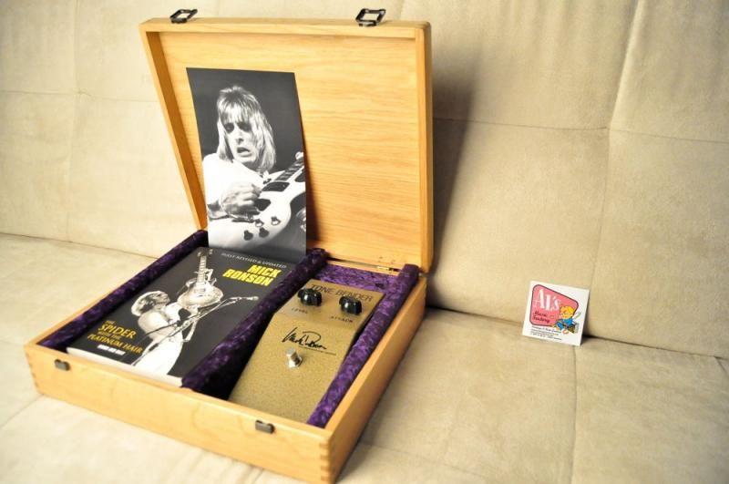 jmi mick ronson signature tonebender mki reissue fuzz pedal gear wish list mick ronson. Black Bedroom Furniture Sets. Home Design Ideas