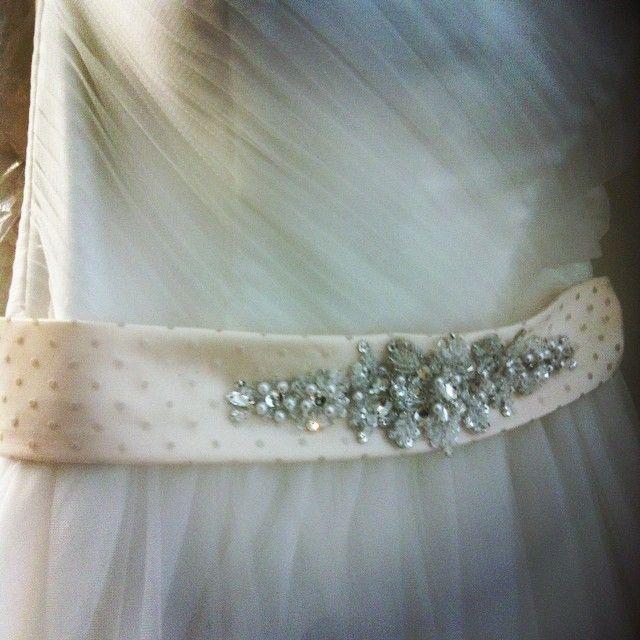 fajín de novia @innovias para añadir un toque de color a tu #vestido
