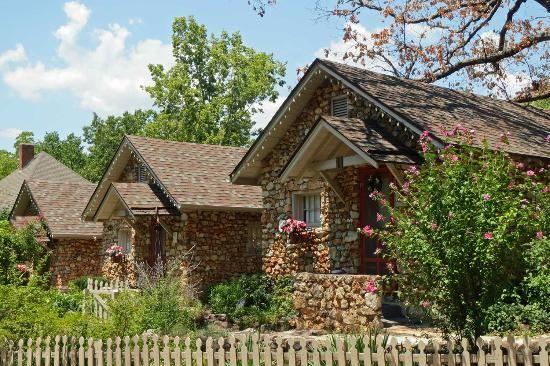 rock cottage gardens b inn eureka springs arkansas romantic rh pinterest com rock cottages eureka springs ar rock cabins eureka springs