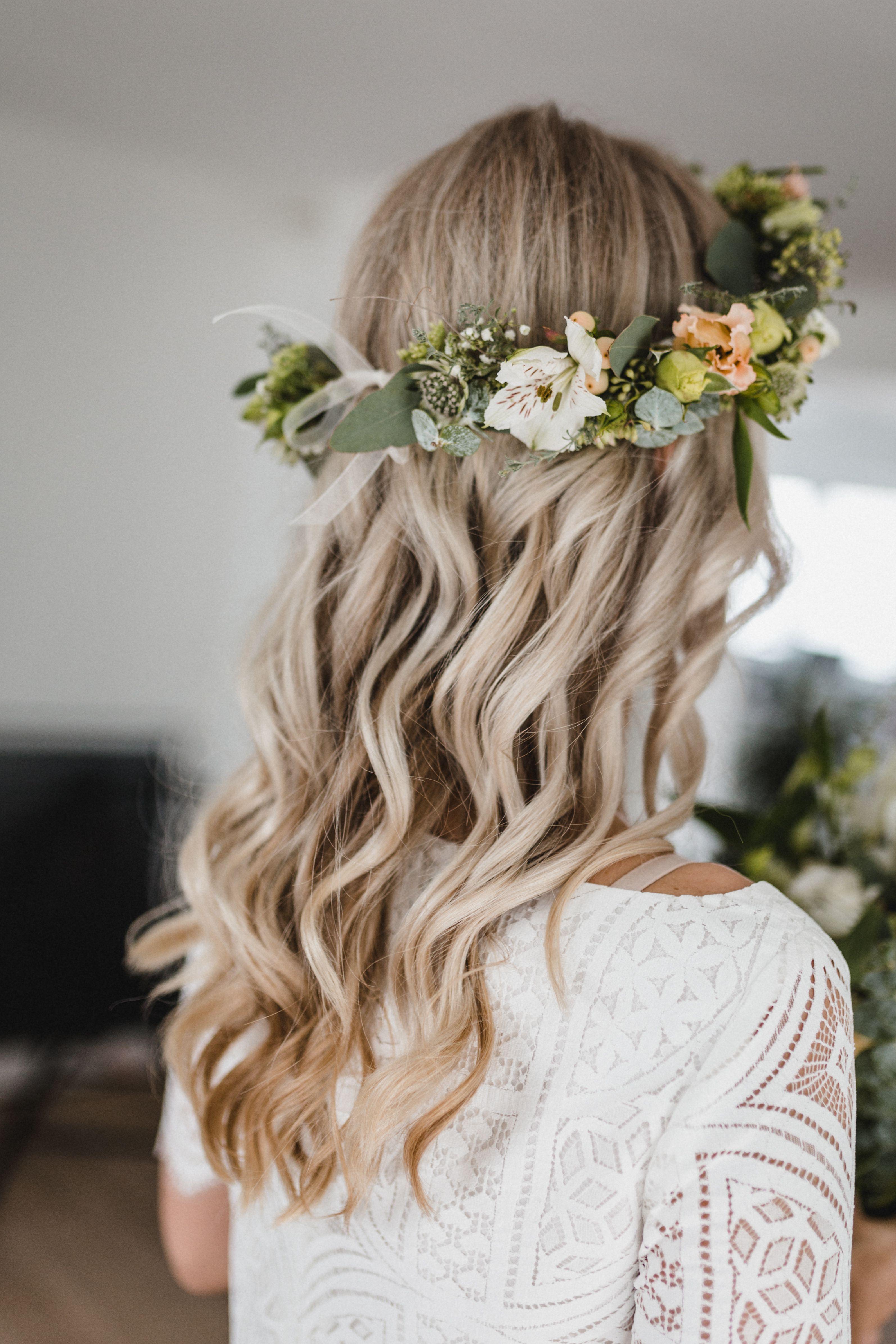 Wedding Hairstyle  Haarschmuck braut, Frisur hochzeit, Brautfrisur