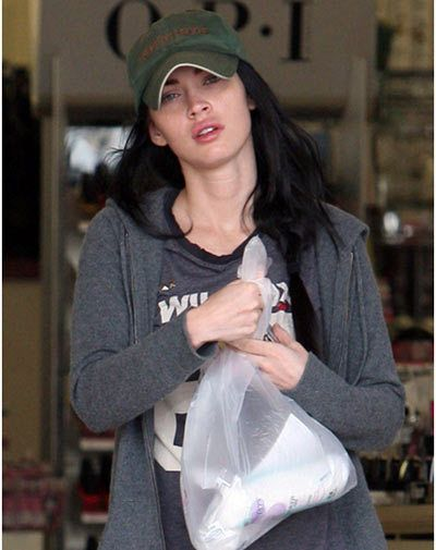 Omg Here Are 15 Heartbreaking Pics Of Megan Fox Without Makeup Megan Fox Without Makeup Megan Fox Megan Fox Pictures
