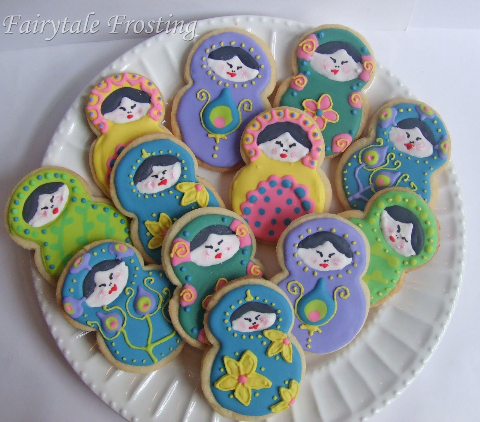 Russian Nesting Dolls by fairytalefrosting.blogspot.com