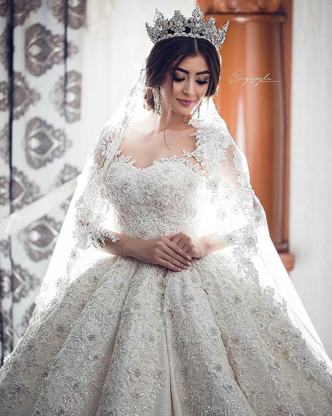 Pin By Mense On Robes Du Mariage Ball Gowns