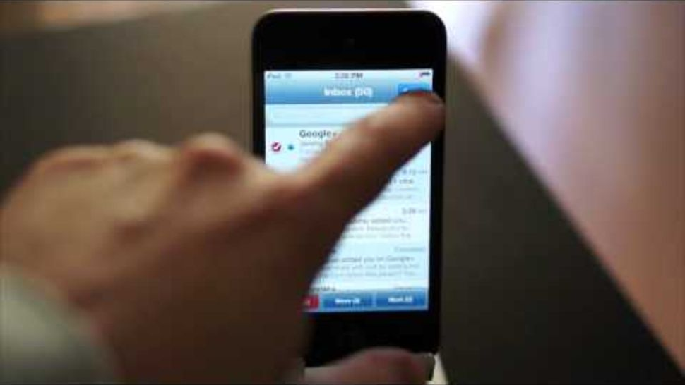 How to mark all emails as read on your iphone reading