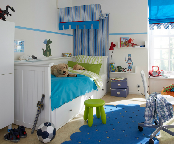 Kinderzimmer Junge Gestalten Das Zimmer Ist Nicht Zu Groß So Dass  Eigenschaften Verwendet Sind Klein Und