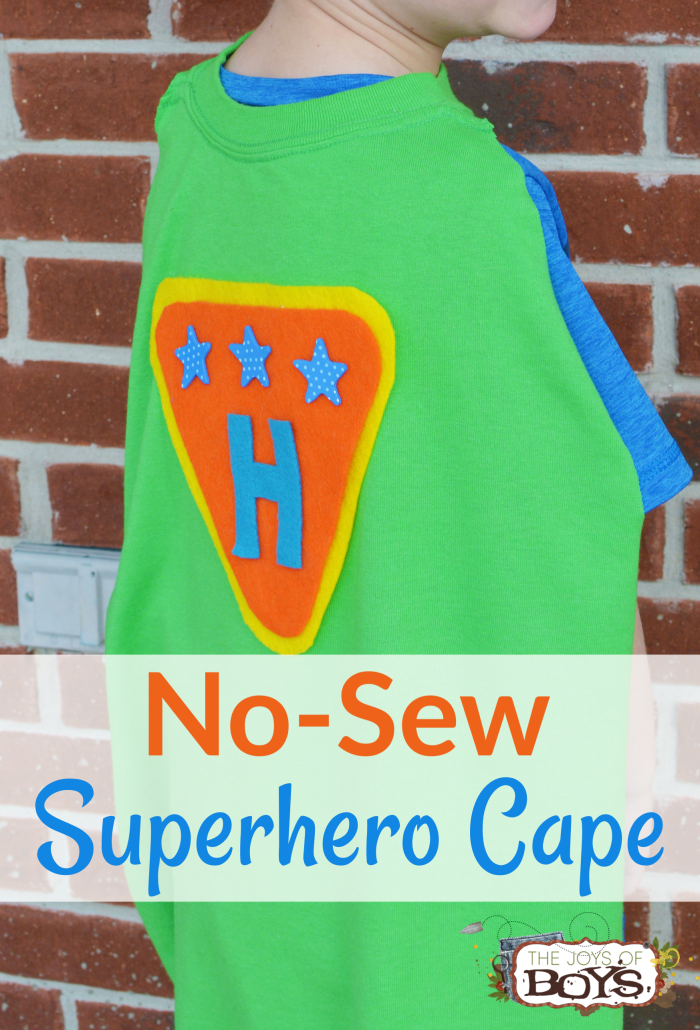 No-Sew Superhero Cape Made from a T-Shirt #superherocrafts