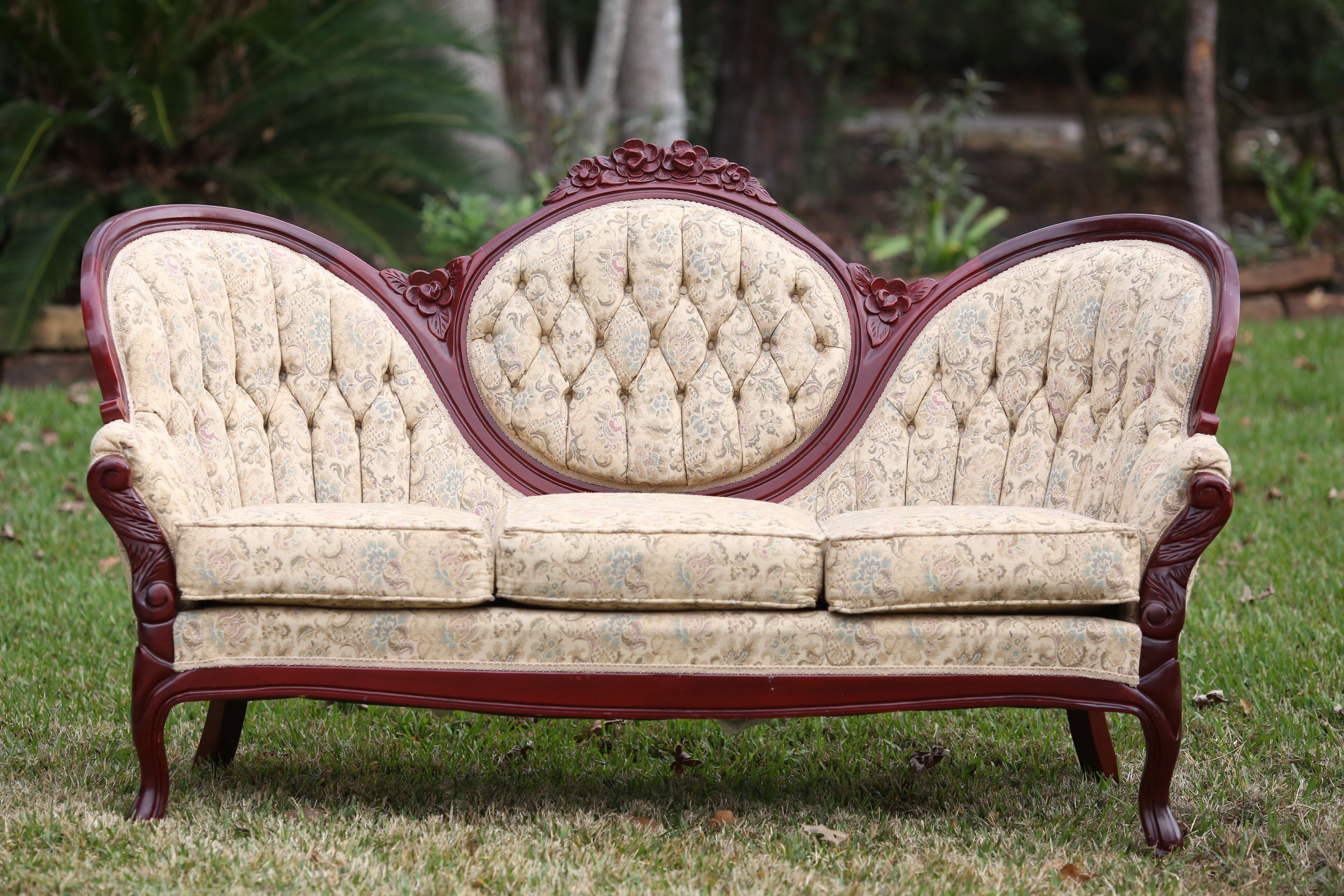 Wonderful Rent Some Vintage Medallion Couch