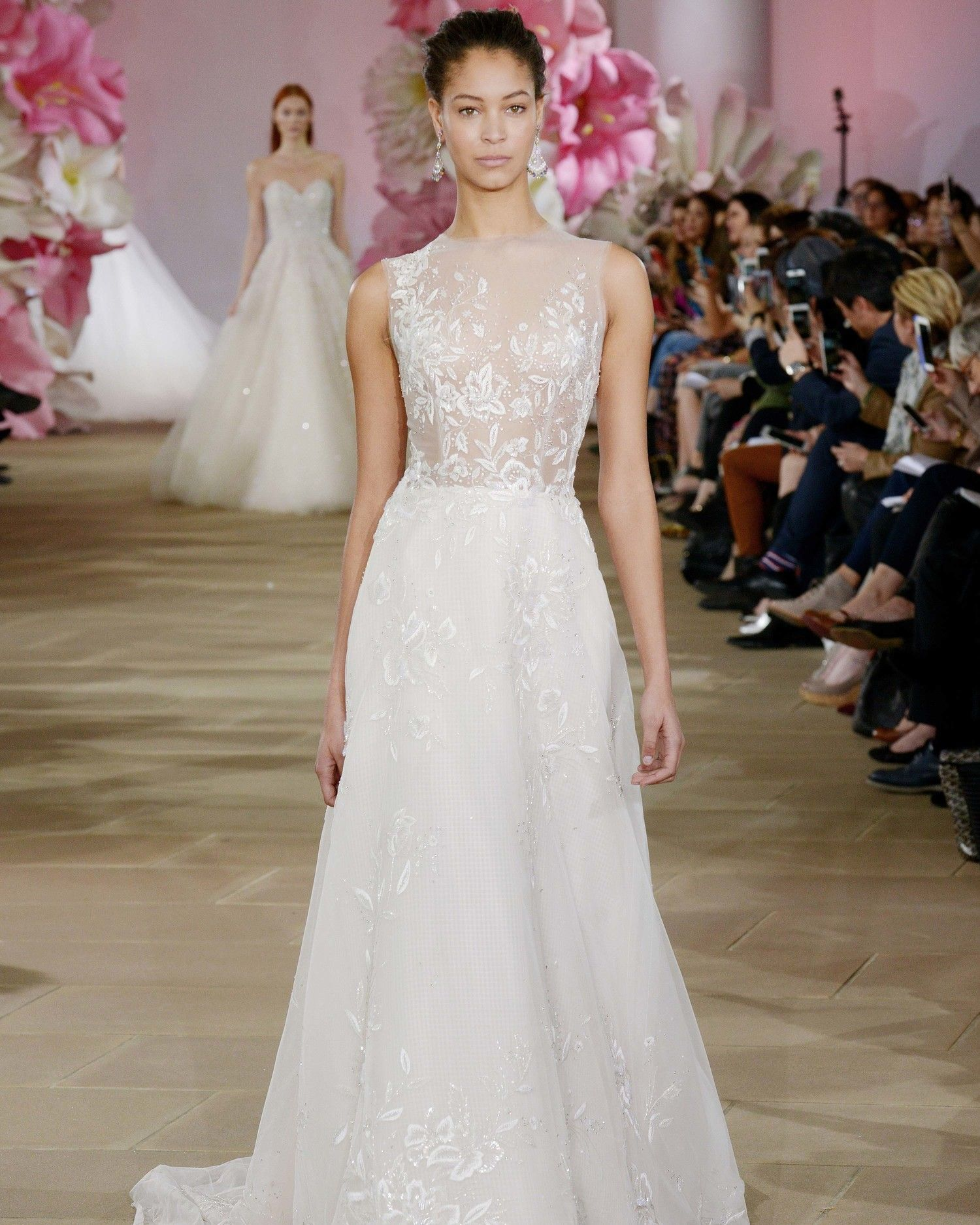 Simple Wedding Dresses That Are Just Plain Chic  Wedding dress