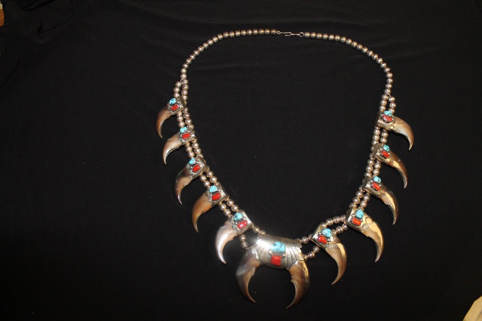 Rare Vintage Dead Pawn Turquoise Coral And Claw Squash Blossom Necklace https://t.co/2zewV2RX5M https://t.co/OgNMYcOCe7 http://twitter.com/Soivzo_Riodge/status/774127599408652288