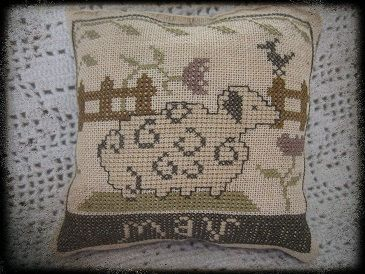 MAY SHEEP by nikyscreationsdesign on Etsy, €10.00
