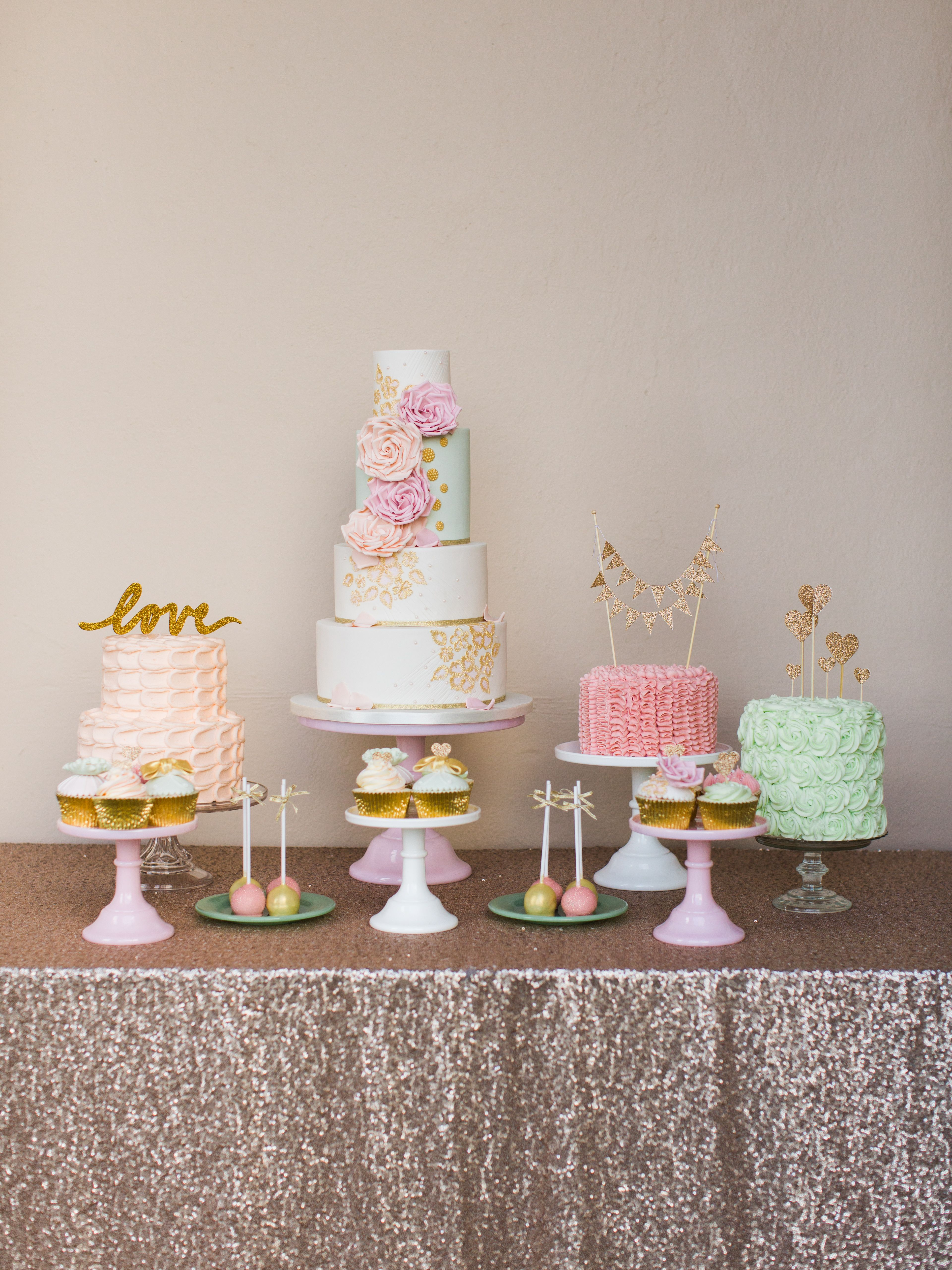 Courty loveu photoshoot by paula ouhara cakes by the cake cuppery