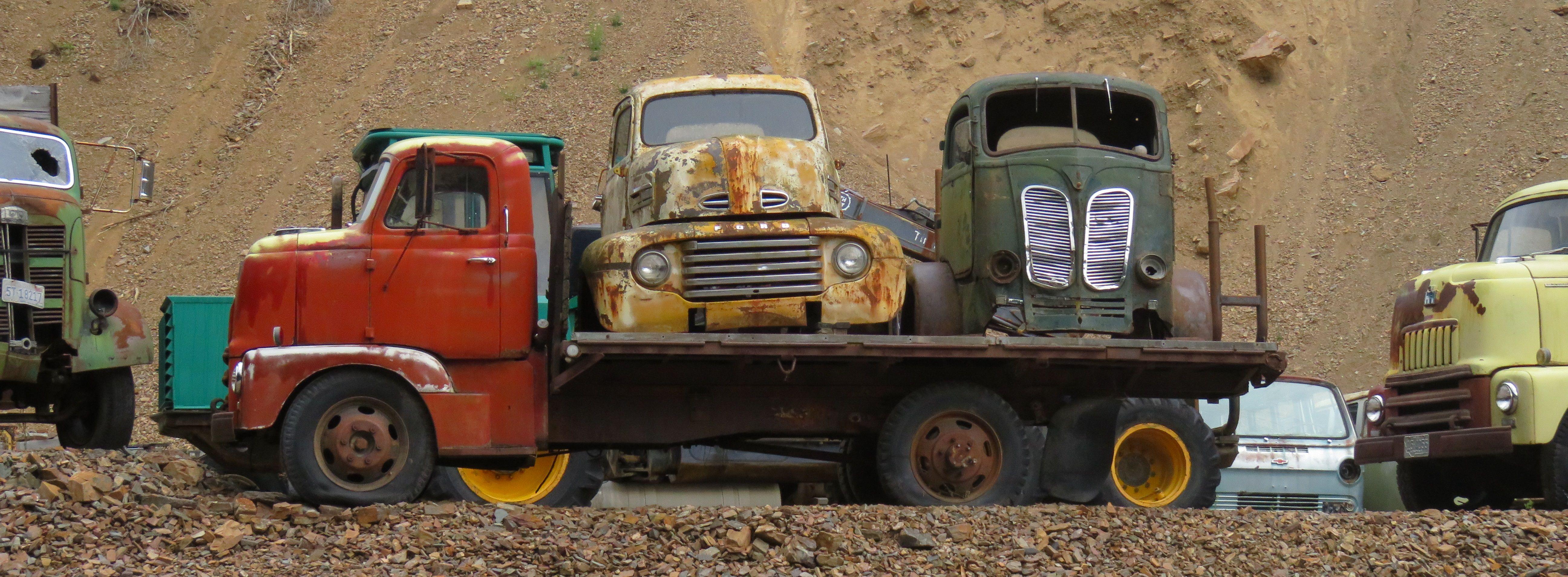 Pin By John Dahlin On Rusting Gold Vehicles Rusty Trucks