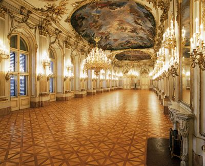 "Schonbrunn Palace Vienna Would love to have a ""ball"" in this room!"