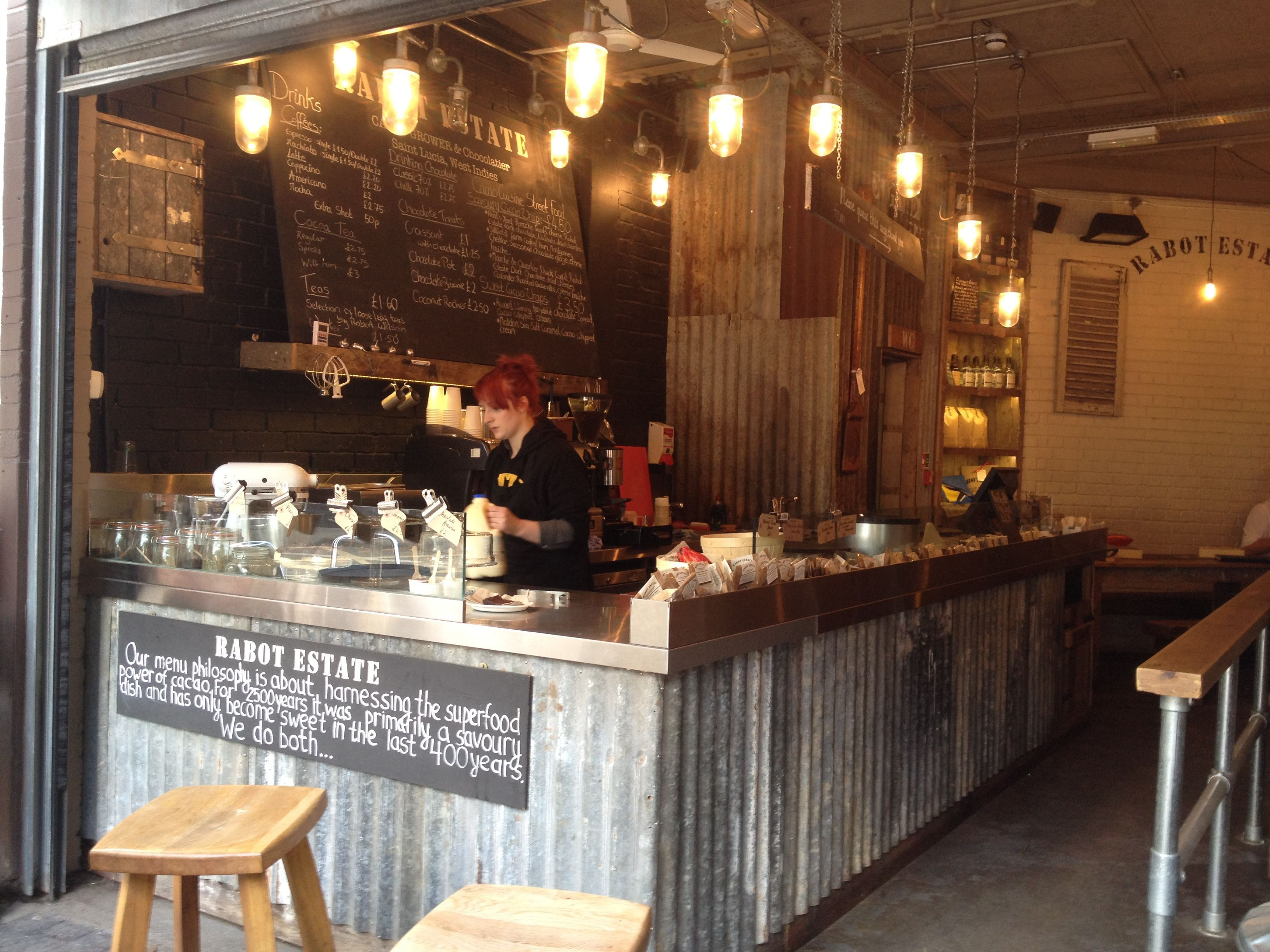 Rustic coffee shop design the shop instantly pulls in for Design shop de