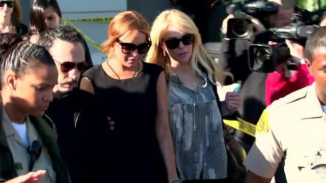 VIDEO: Lindsay Lohan No Longer Owes Shawn Holley Money - http://ontopofthenews.net/2013/06/07/entertainment/video-lindsay-lohan-no-longer-owes-shawn-holley-money/
